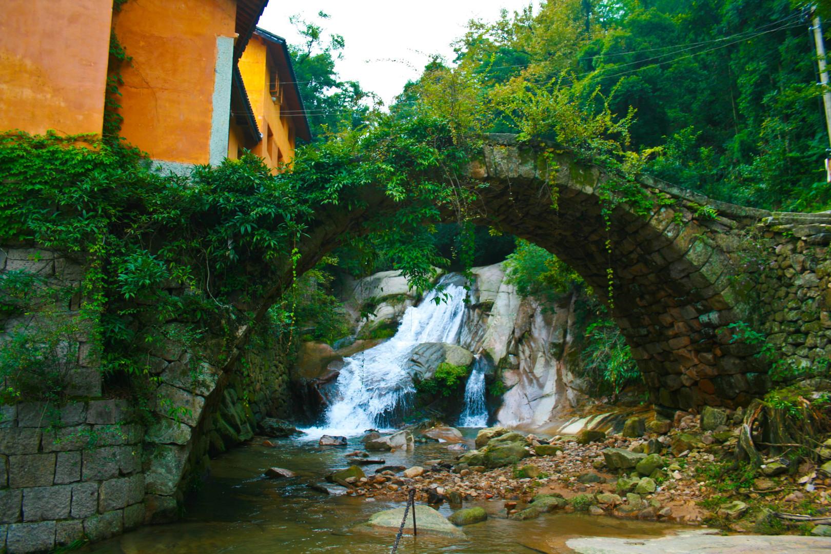 壁纸 风景 旅游 瀑布 山水 桌面 1620_1080