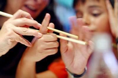 家长注意!台州幼儿园中班小朋友要用筷子吃饭了