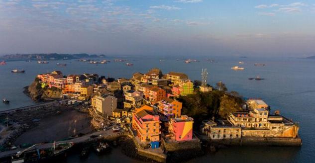 """推进石塘半岛旅游建设,温岭将打造国内第一个""""七彩""""小岛."""